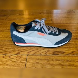 Men's Gray Puma Sneakers (Nearly New)